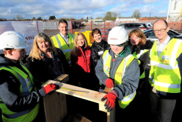 Minister meets young construction trainees at landmark Cardiff urban regeneration scheme