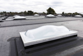 Learning the lessons of daylighting: advice on the specification of skylight systems for schools
