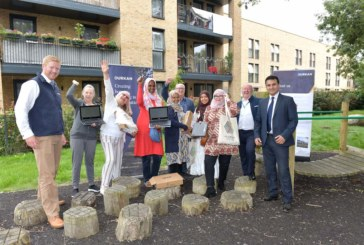 Durkan donates laptops to Clarion Housing residents to drive digital inclusion